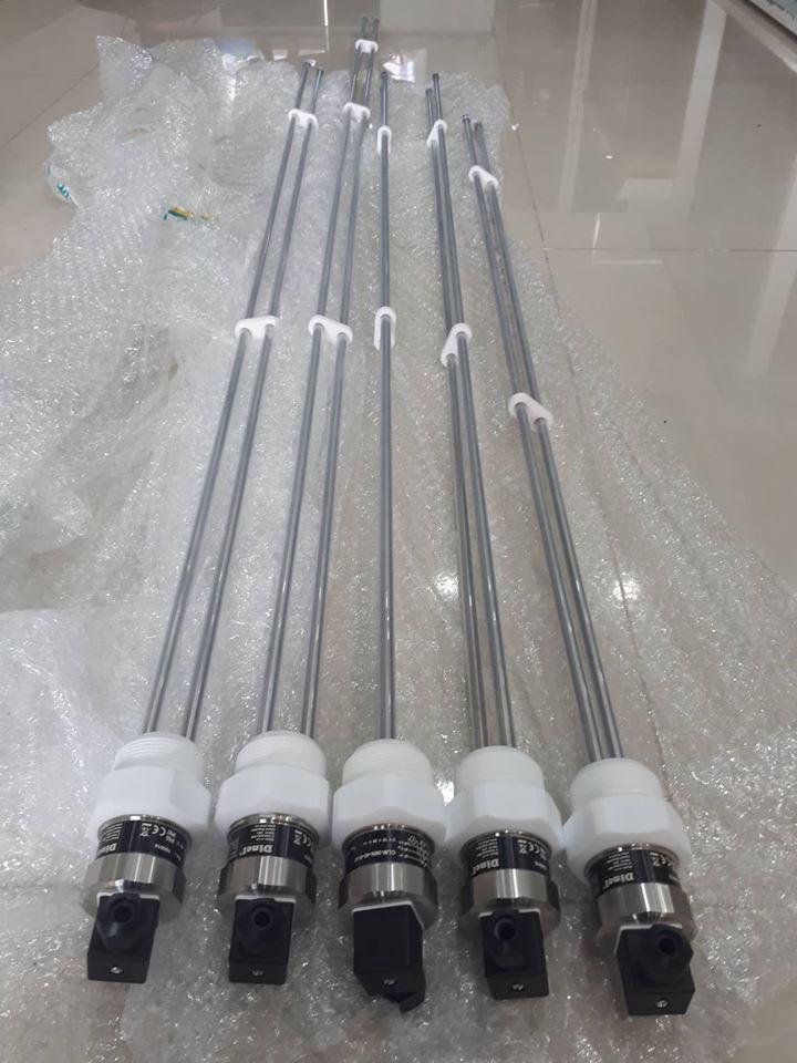 Cảm biến điện dung đo mức axit