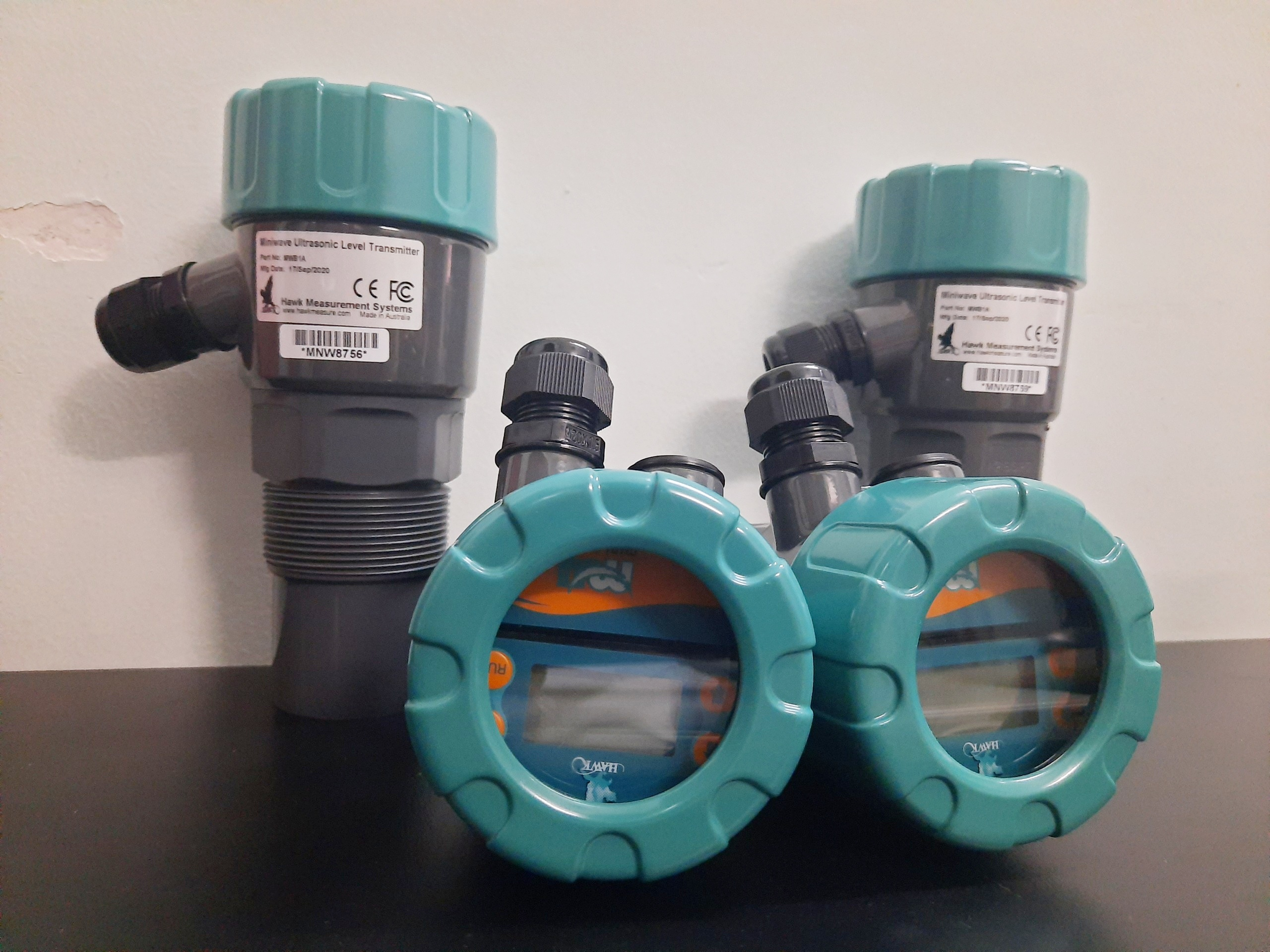 cảm biến đo mức nước dạng siêu âm