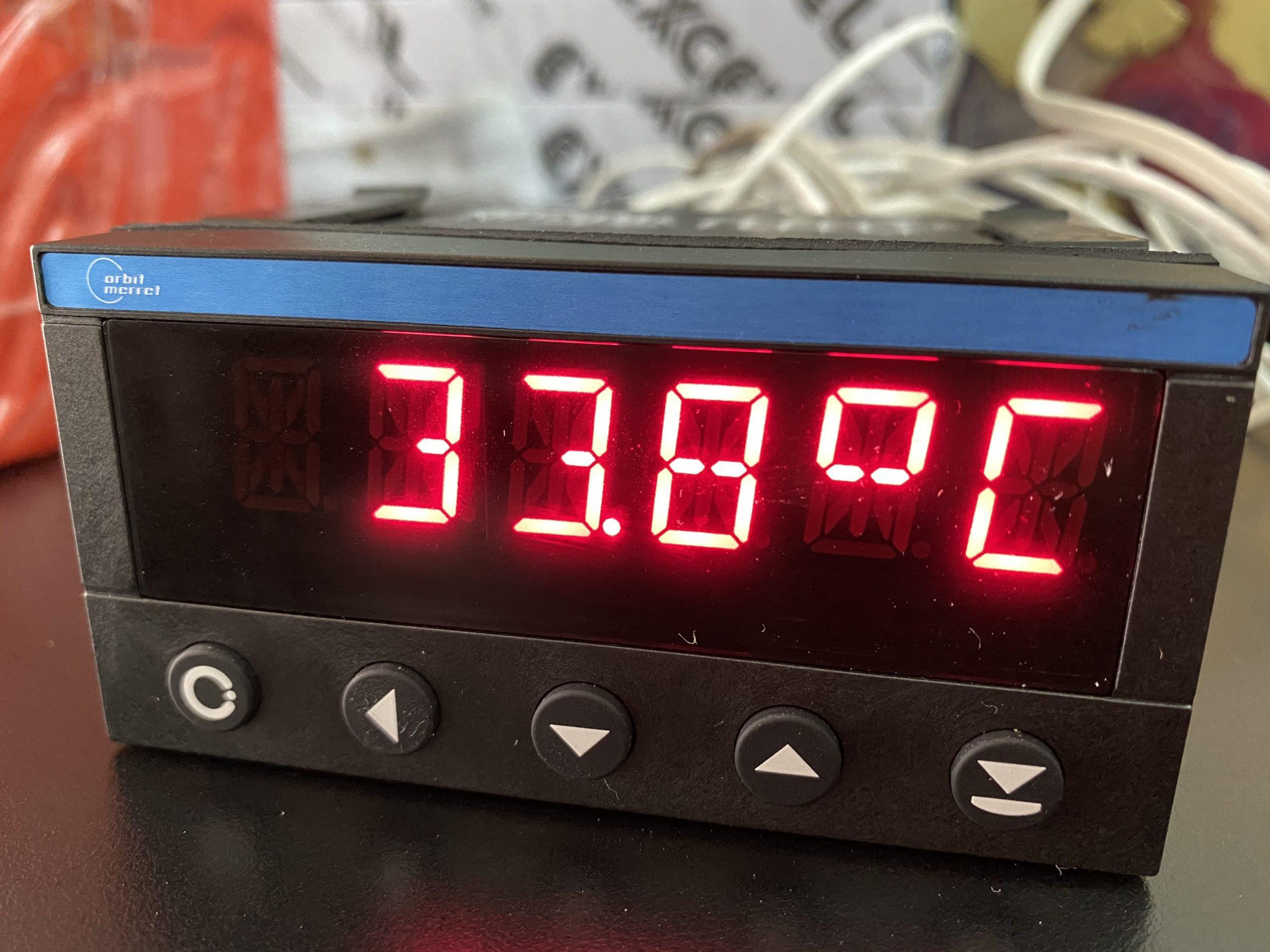 bộ hiển thị nhiệt độ OM402UNI